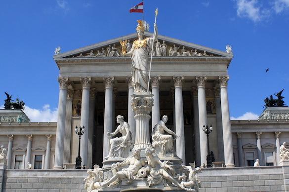 Вена защитит свои интересы, если санкции США ударят по европейским компаниям. 372743.jpeg