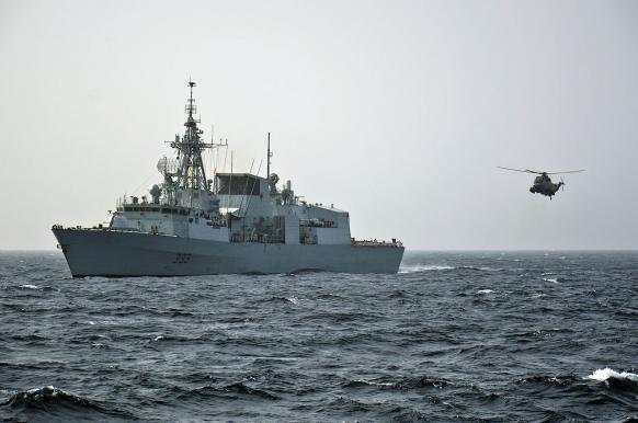 Группировка из пяти кораблей НАТО движется к Черному морю.