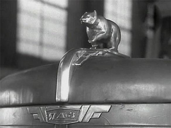 Откуда появился мишка на капоте советских авто. 402743.jpeg