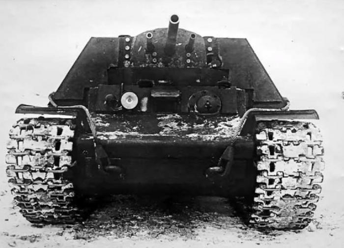 Танк КВ-7 с тремя пушками