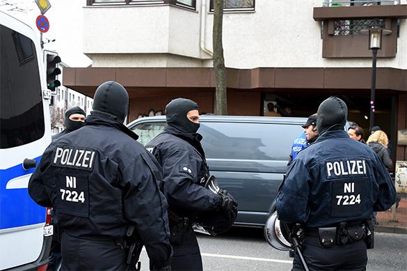 В Берлине мужчина напал на полицейских возле местной больницы