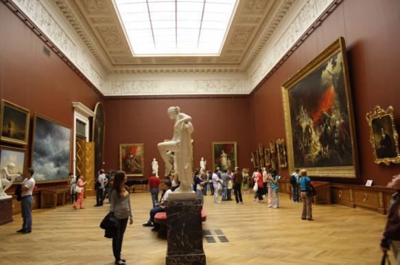Росгвардия пресекла попытку кражи скульптуры из Русского музея в Санкт-Петербурге. 402750.jpeg