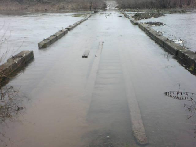 В Рязанской области мосты ушли под воду из-за потепления. В Рязанской области мосты ушли под воду из-за потепления