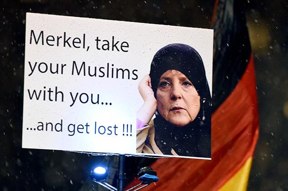 Ангела Меркель продолжает политику открытых границ. Ангела Меркель продолжает политику открытых границ.
