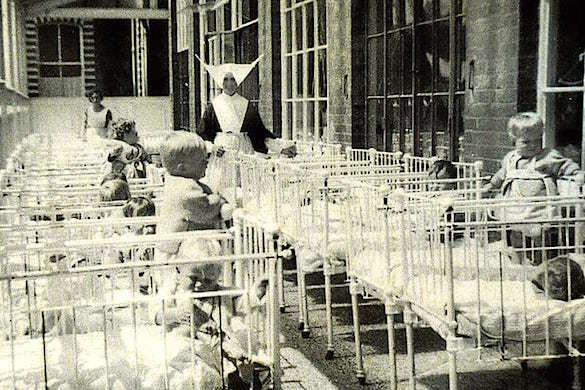 В братской могиле у детского дома в Шотландии обнаружены останки сотен детей. 375752.jpeg