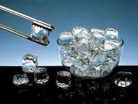Обычно лед для протирания делается самостоятельно из воды или