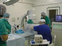 Позвоночник: оперировать или лечить?
