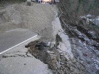 На трассу Джубга - Сочи сошел уже третий в этом году оползень. 235757.jpeg