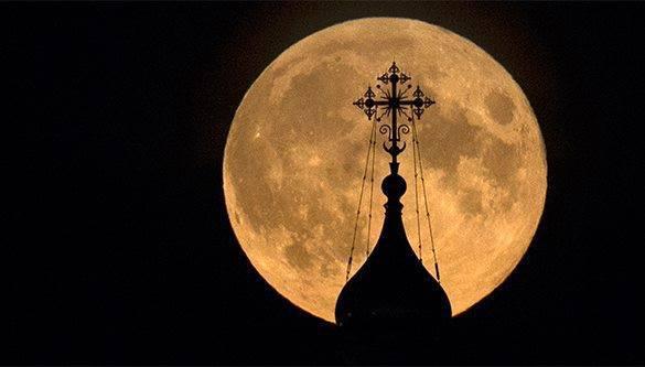 Прагматичные бизнесмены стали внимательнее относится к чувствам верующих. церковь