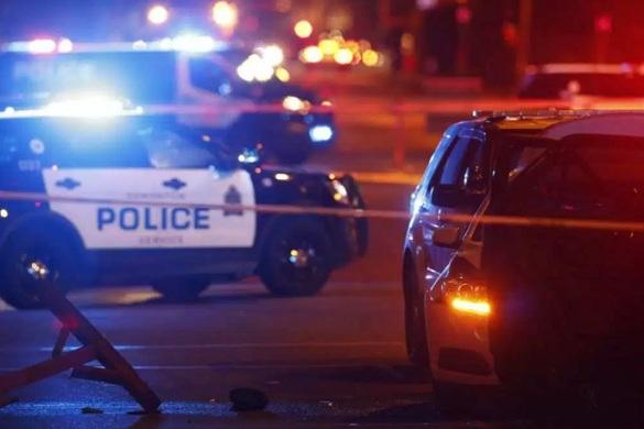 Канадские власти предполагают теракт: грузовик протаранил автомобиль полиции. 376759.jpeg