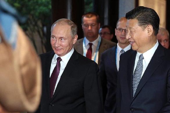Путин и Си Цзиньпин пили водку с колбасой. 387759.jpeg