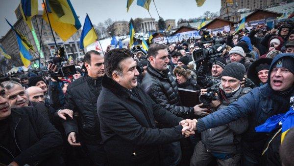 Саакашвили позвал украинцев на Майдан. Саакашвили позвал украинцев на Майдан