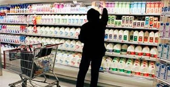 В России молоко разбавляют мелом