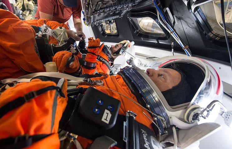 NASA провело испытание скафандров для полетов вглубинный космос