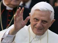 Папа Римский записывает первый альбом
