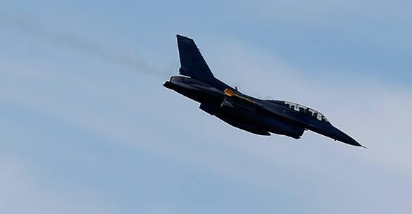 """США устроили Эстонии """"Торнадо"""" с лазерными боями. самолет НАТО"""