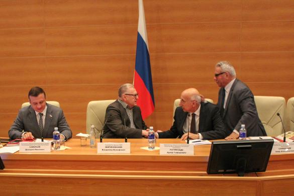 Жириновский ратует за интенсивное развитие российско-азербайджанских отношений. Заседание в Госдуме России