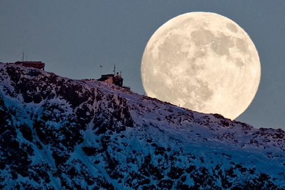 В Роскосмосе думают об освоении Луны