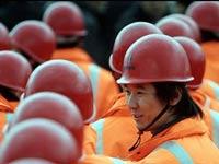 Китайские строители устроили сидячую забастовку в центре Пекина
