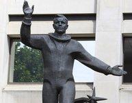 Монумент Юрию Гагарину украсил британскую столицу. gagarin