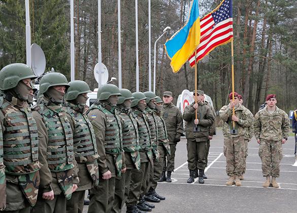 Вместе с американскими десантниками на Украину прибыла и военная техника. армия, украина, солдаты, американские десантники