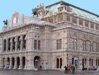 Посмотреть спектакли Венской оперы можно будет снаружи здания