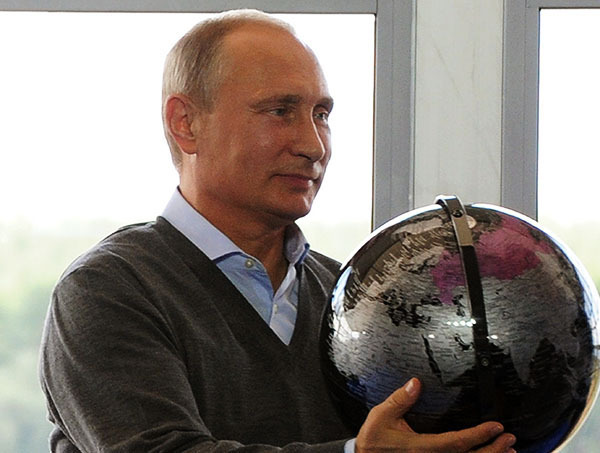 Приезд Путина в Крым вызвал негодование у Украины