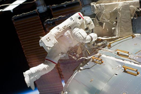 Космонавты вскрыли