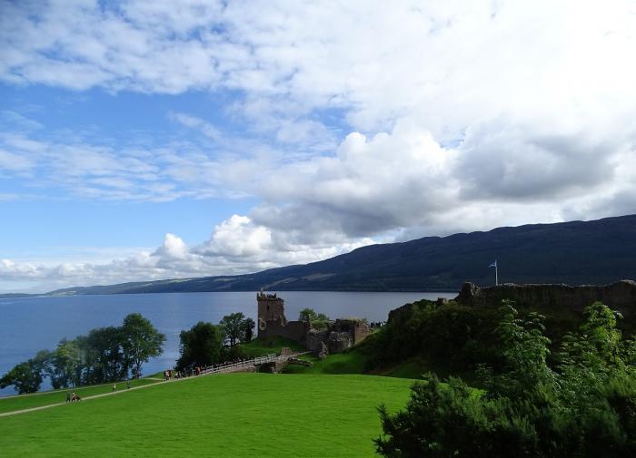 Озеро Лох-Несс, Шотландия