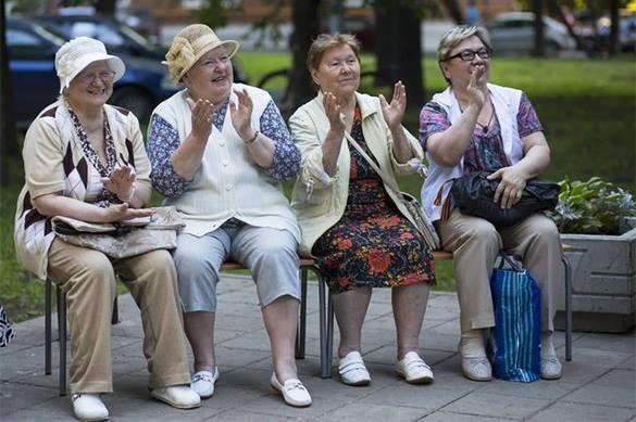 Россияне впервые стали жить дольше 72 лет. 373780.jpeg