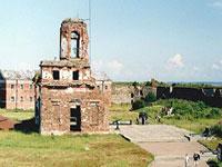 Петербургские археологи откопали башню 14 века