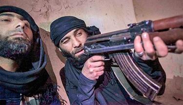 Боевики ИГ могли перехватить сброшенное США оружие. ИГ перехватило оружие из США