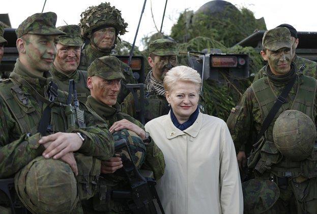 Даля Грибаускайте распереживалась за женщин Донбасса. грибаускайте даля