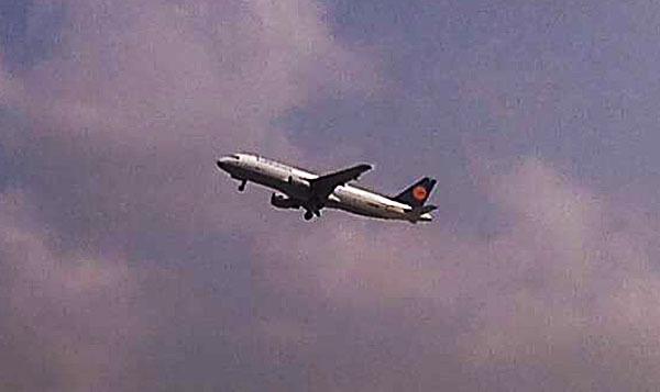 В Индонезии несколько часов не могли найти самолет главы МИД Германии. 302785.jpeg