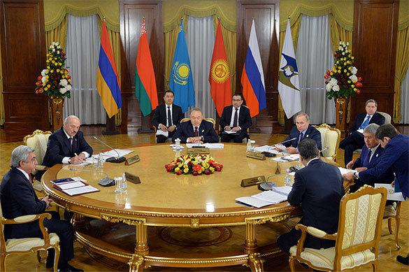 ФЕНЕНКО и САТПАЕВ — о том, что будет с отношениями России и Каза