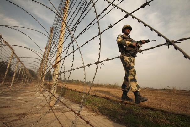 Индия усилит границу с Пакистаном для предупреждения терактов
