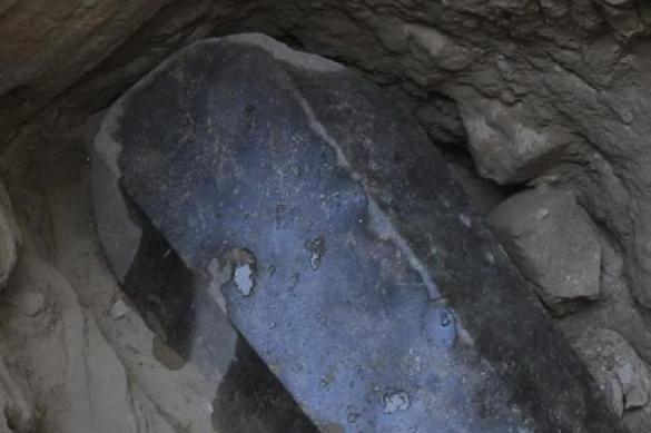 В Египте решились вскрыть черный саркофаг