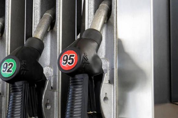 В российских регионах начал дорожать бензин. 396793.jpeg