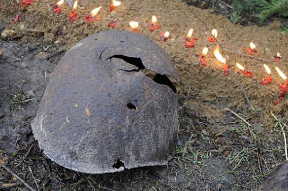 В Венгрии с почестями перезахоронили останки советских солдат. В Венгрии с почестями перезахоронили останки советских солдат