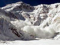 В горах Северного Кавказа и Дальнего Востока объявлена лавинная