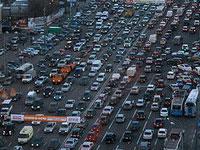 Движение в центре и на выезде из Москвы парализовало
