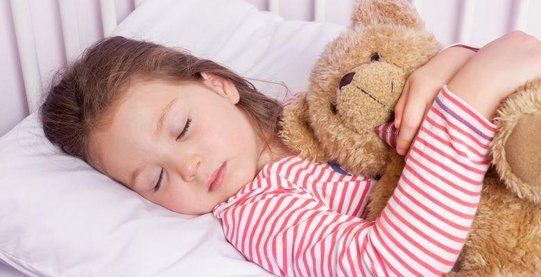 Ребёнок говорит во сне: опасно ли это и что делать родителям. Ребенок говорит во сне