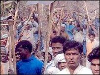Индийские холостяки прокладывают «дорогу любви»