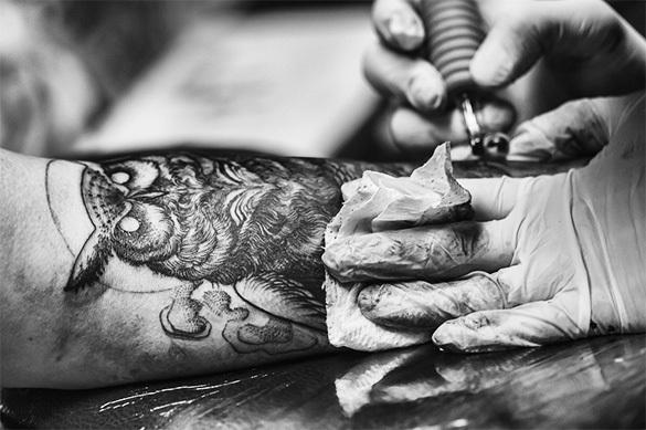 Мордовским адвокатам запретили пирсинг, татуировки и яркий макия