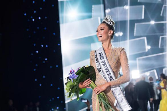 """""""Мисс Вселенная-2017"""" стала 22-летняя конкурсантка из ЮАР. Мисс Вселенная-2017 стала 22-летняя конкурсантка из ЮАР"""
