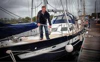 Британские школьники выйдут в море на построенной ими лодке
