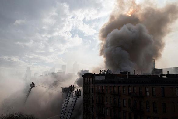 На Манхэттене снова взрывы: Три дома разрушены. На Манхэттене взрыв газа разрушил три дома