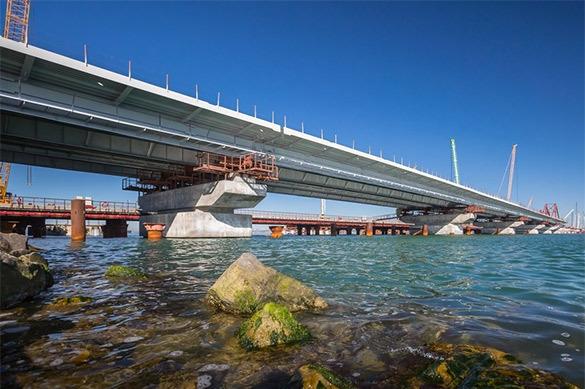 Керченский мост соединит Крым и Кубань осенью