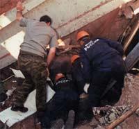 При обрушении парковки в Москве погиб человек