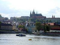 Чехи водят туристов по
